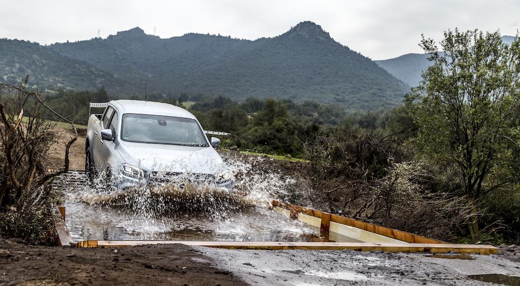 Mercedes-Benz X-Klasse MotorMag Wasserdurchfahrt
