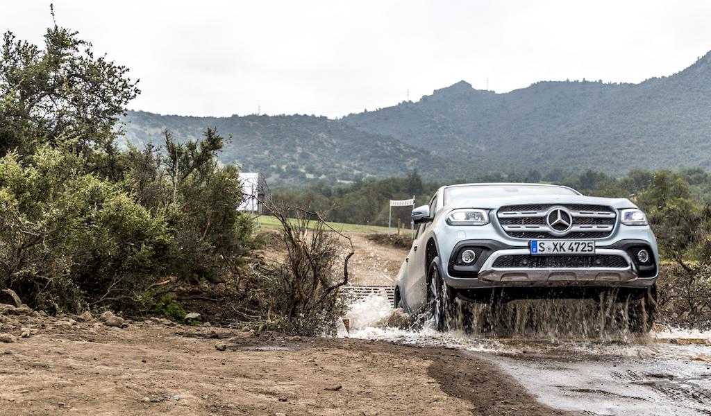 Mercedes-Benz X-Klasse MotorMag Wasserdurchfahrt Front seitlich