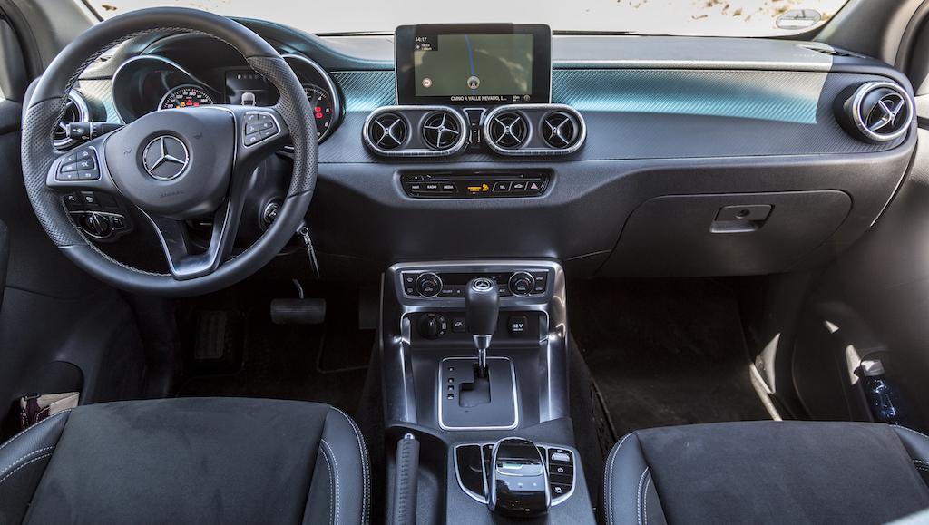 Mercedes-Benz X-Klasse MotorMag Innenraum vorne