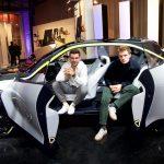 Opel GT X Experimental Schauspieler Jannis Niewöhner und Lucas Reiber im Opel GT X Experimental