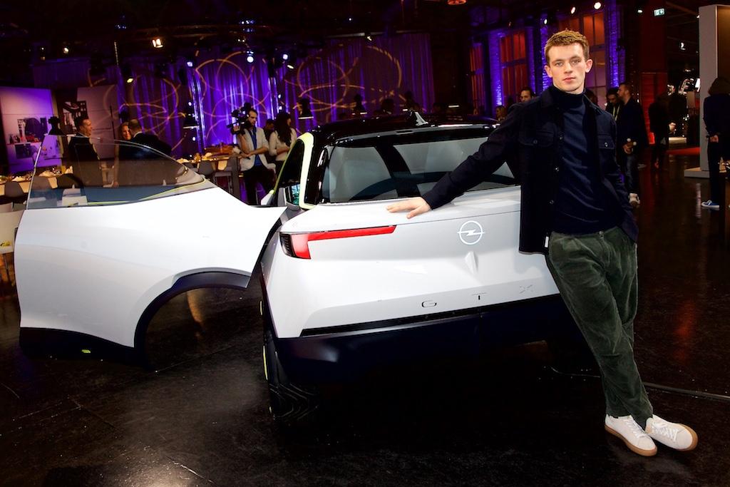 Opel GT X Experimental Schauspieler Jannis Niewöhner