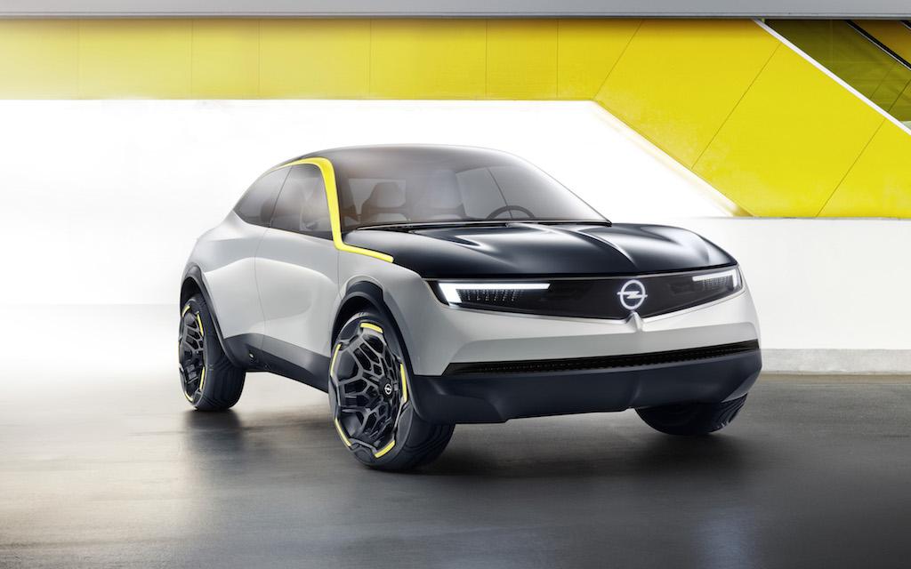 Opel GT X Experimental Flanke schräg links